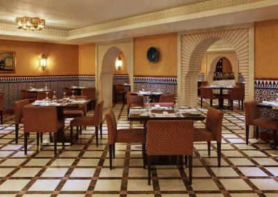 jedmk-restaurant-8266-hor-clsc